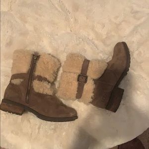 UGG fur top zipper boots